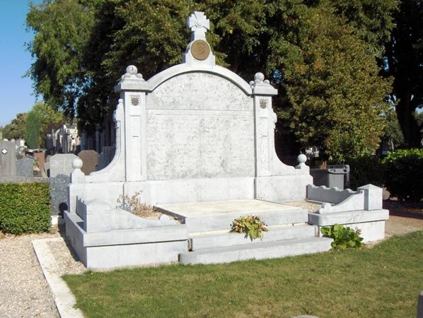 France frankrijk tourcoing nord tombes belges dans for Kreabel le meuble belge tourcoing